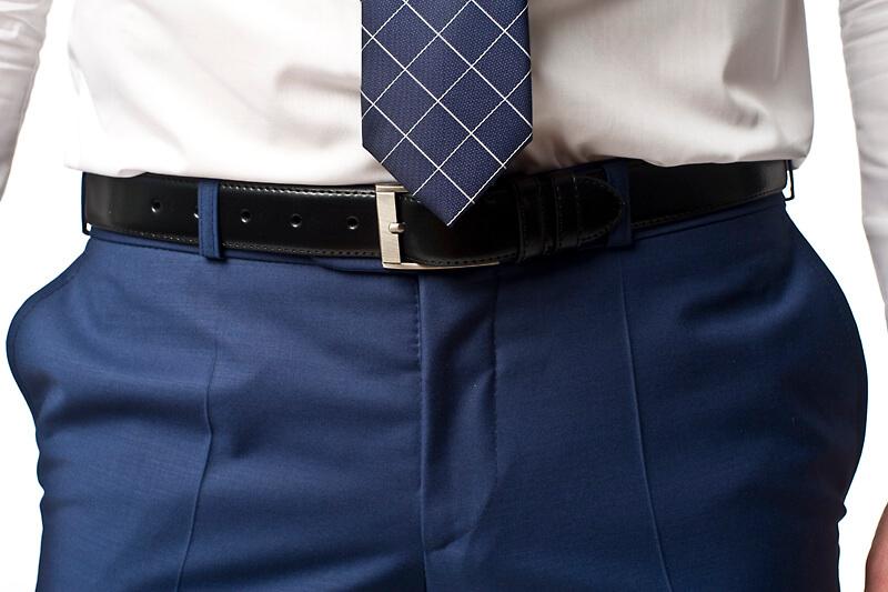 dobrze zawiązany krawat