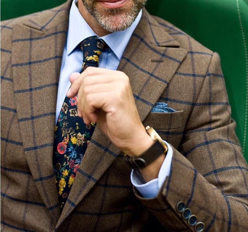 kolorowy krawat wzorzysty