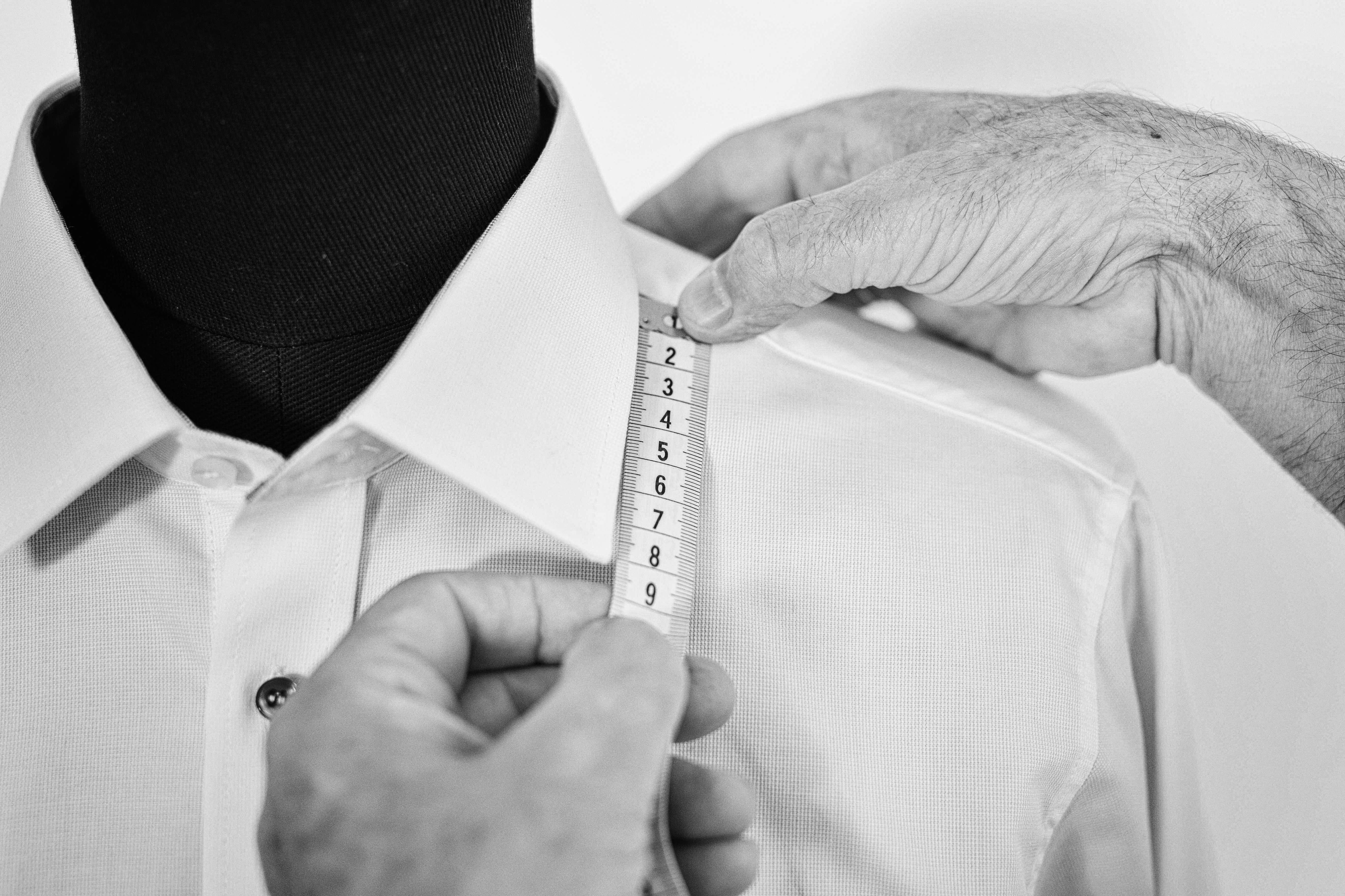 mierzenie wymiarów do garnituru
