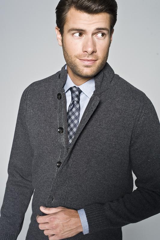 sweter męski w stylu preppy