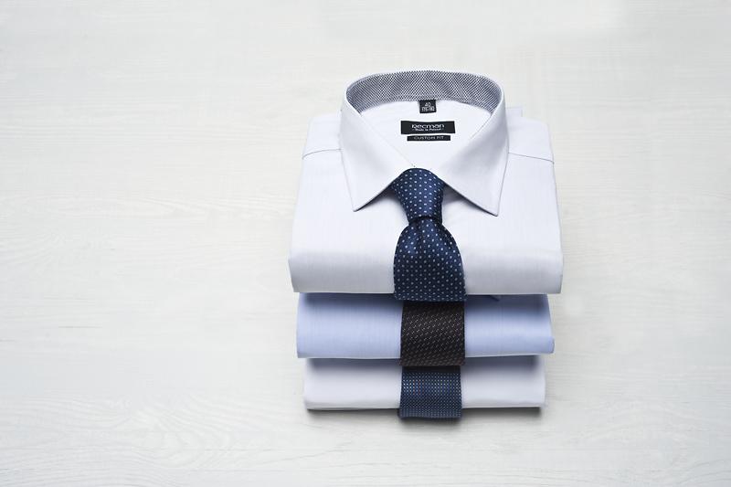 koszule męskie złożone w kostkę