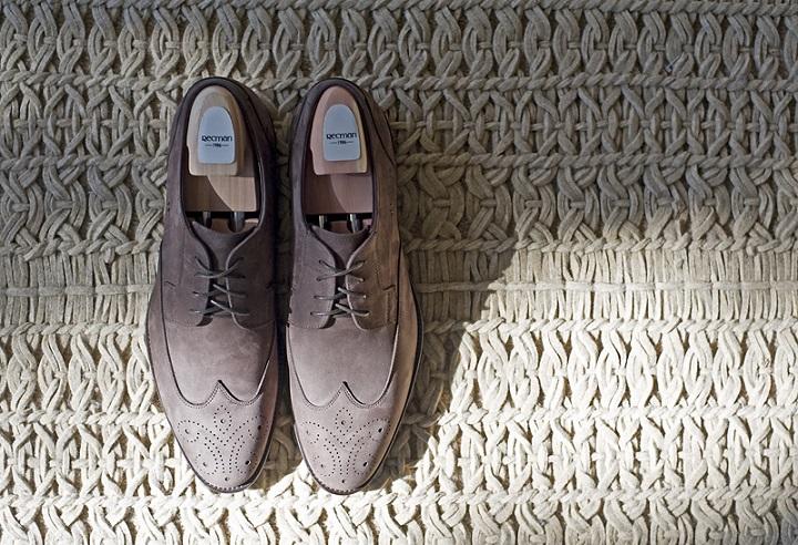 Brogsy – buty idealne do jeansów