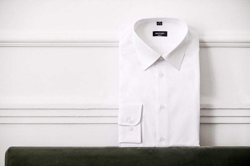 Koszula na spinki czy guziki – którą wybrać?